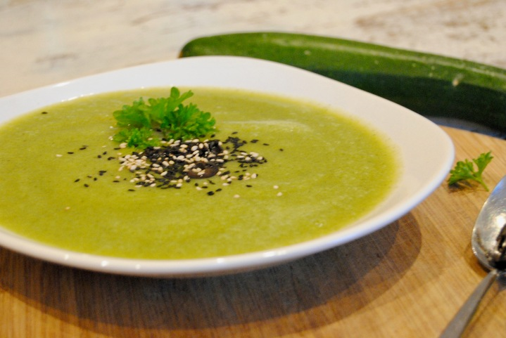 Soupe de courgette aucurry
