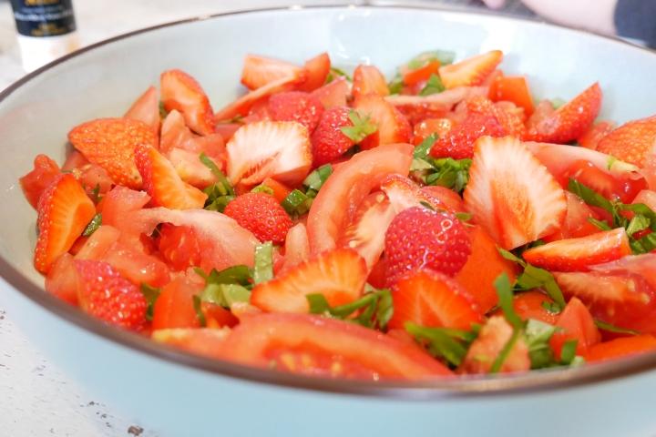 salade_fraises_tomates@happyfridge1020832.jsalade_fraises_tomates@happyfridgeg.jpg