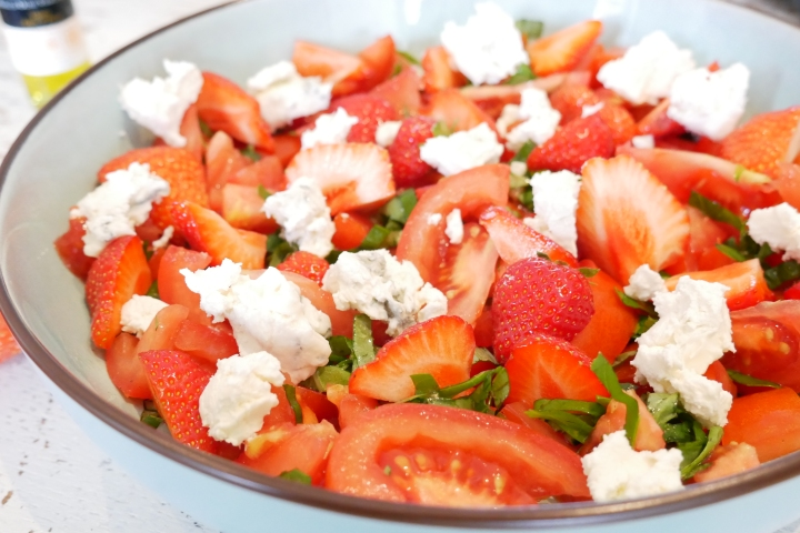 salade_fraises_tomates@happyfridge1020835.jsalade_fraises_tomates@happyfridgeg.jpg