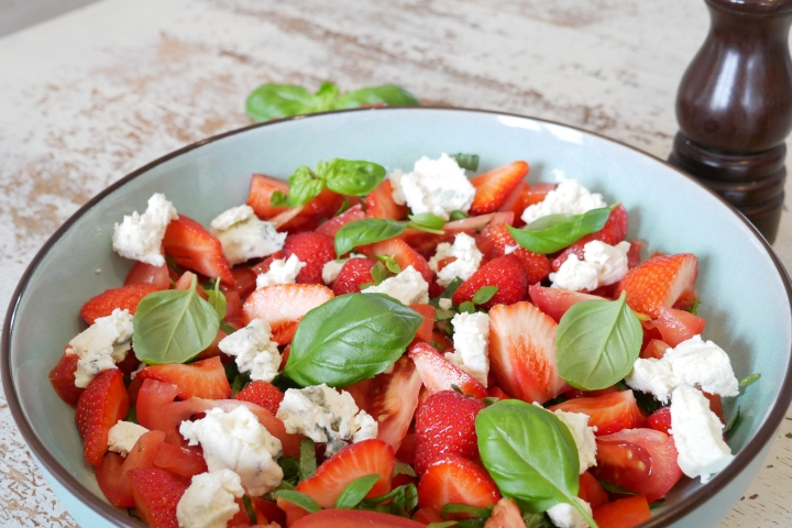 salade_fraises_tomates@happyfridge1020839.jsalade_fraises_tomates@happyfridgeg.jpg