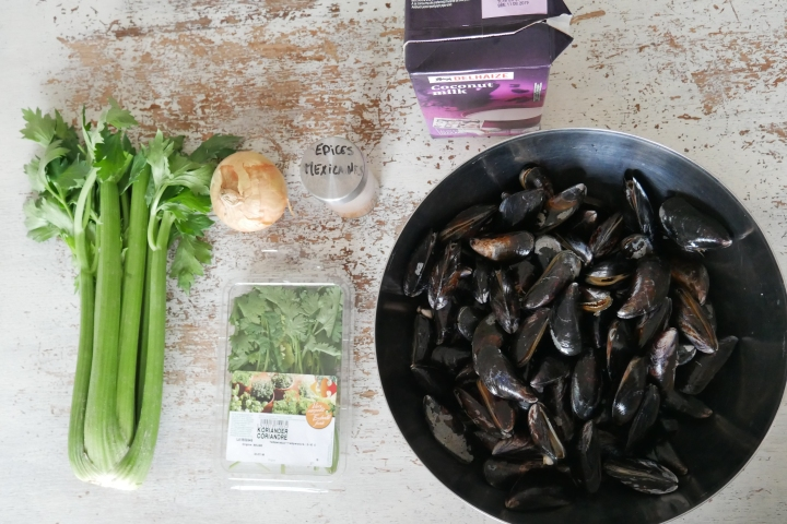 moules_coco_coriandre@happyfridge1040155.jmoules_coco_coriandre@happyfridgeg.jpg
