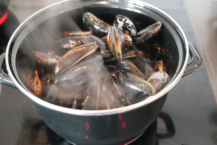 moules_coco_coriandre@happyfridge1040159.jmoules_coco_coriandre@happyfridgeg.jpg
