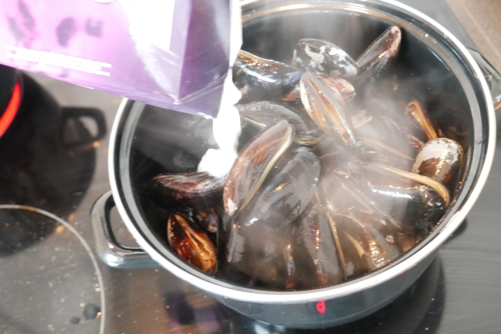 moules_coco_coriandre@happyfridge1040160.jmoules_coco_coriandre@happyfridgeg.jpg