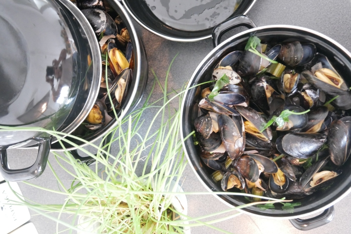 moules_coco_coriandre@happyfridge1040166.jmoules_coco_coriandre@happyfridgeg.jpg
